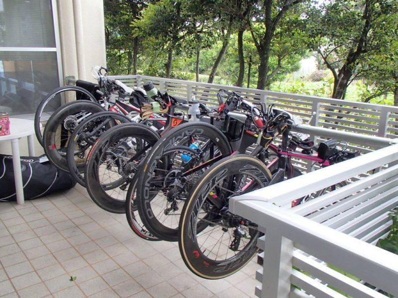 宮古島ユースホステルのバイクラック