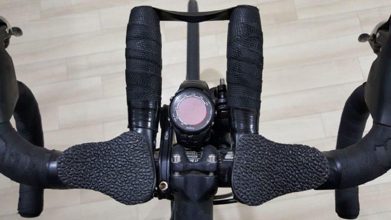 SUUNTO t3dのハンドル上への設置方法