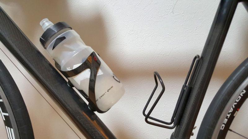 フレーム上のボトルケージ