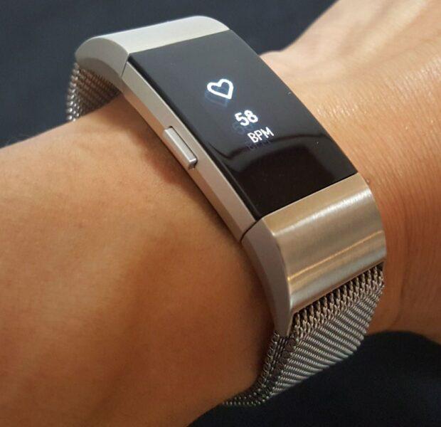 Fitbit Charge 2の金属メッシュベルト