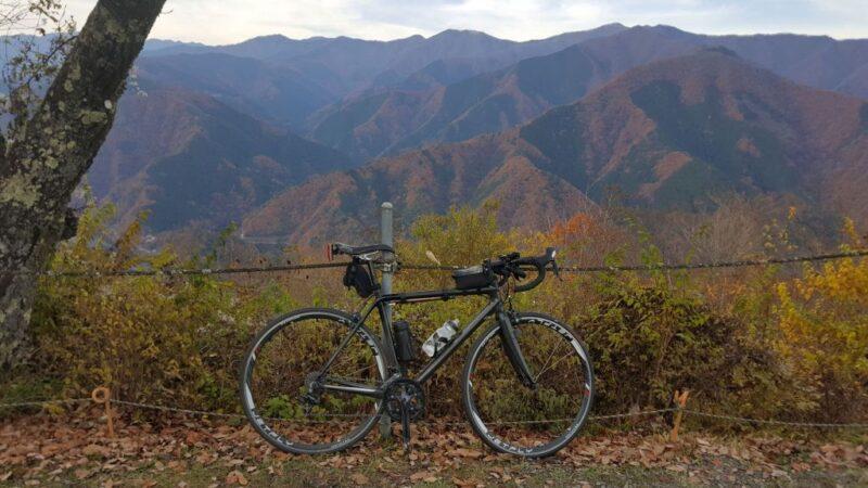 紅葉の奥多摩とロードバイク