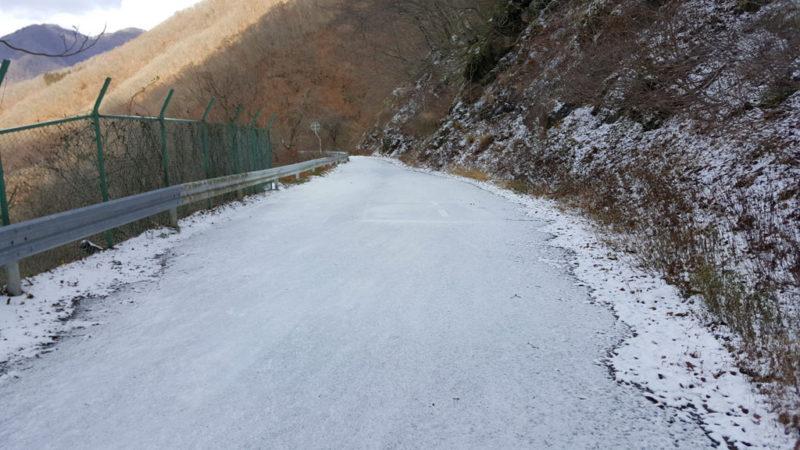 馬坂峠の積雪