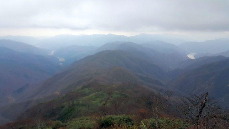 能郷白山から徳山ダムの眺め