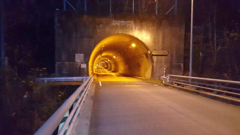 徳山ダムのトンネル