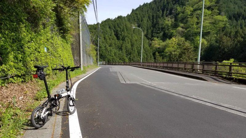 風張林道に向かう途中の道