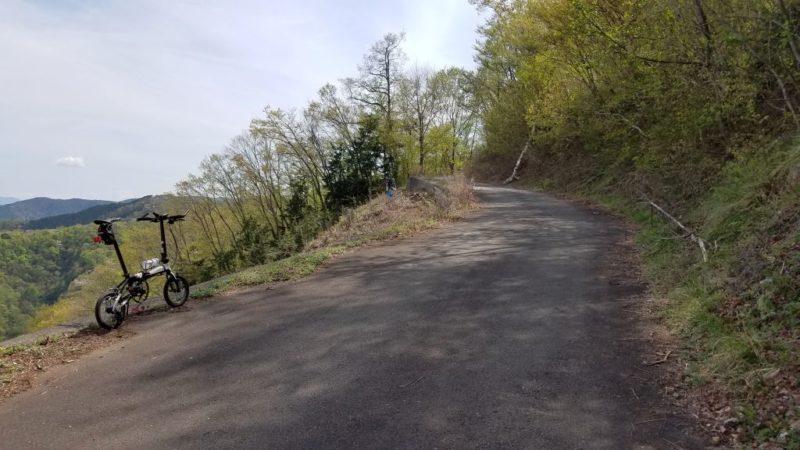 風張林道の見晴らしがよい区間